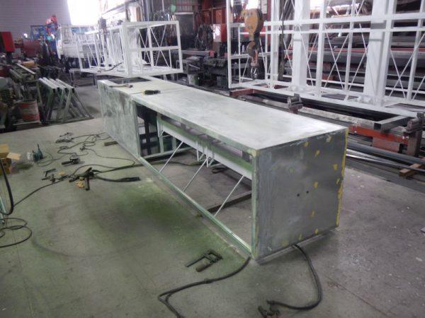 内部照明が入る自立式の看板加工この後、塗装工程に移ります。